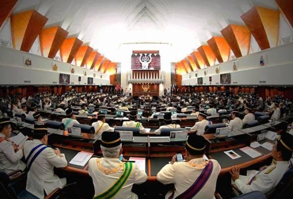 Agong, Ahli Parlimen iktiraf pengorbanan petugas barisan hadapan perangi COVID-19